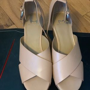 Marc Fisher Nude Wedges 7M